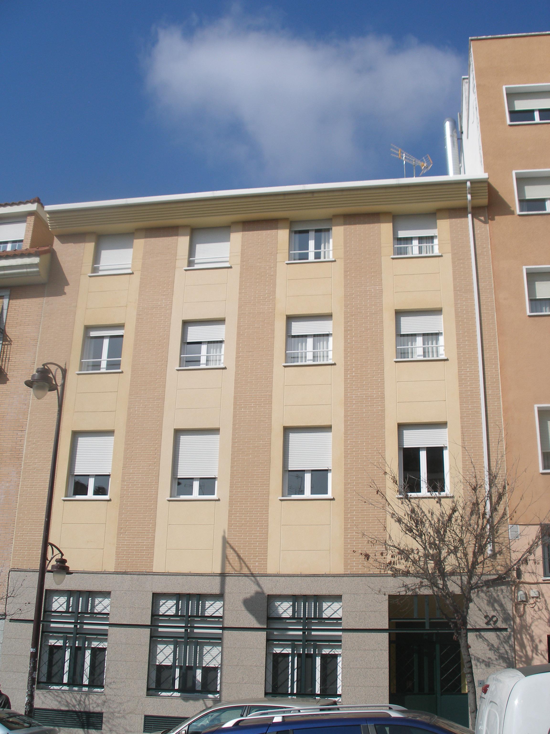 Rehabilitacion de fachada y patio / Madrid